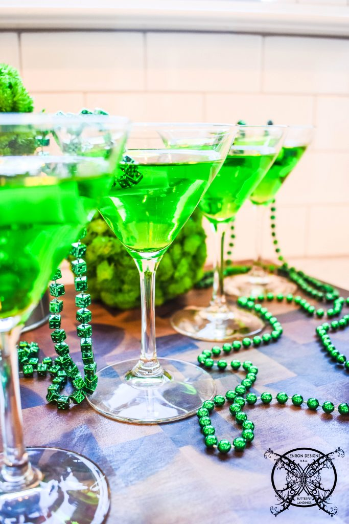 Making Lucky Leprechaun Cocktail JENRON DESIGNS