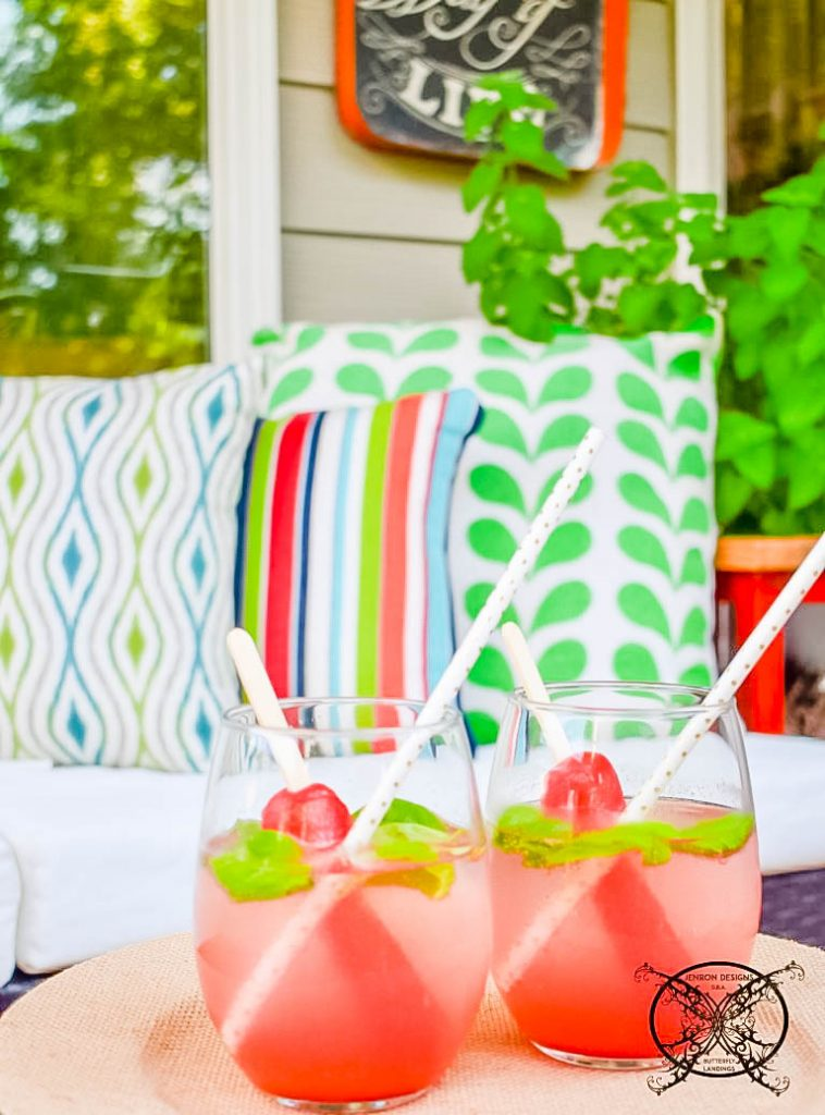 Patio strawberry-basil-poptails JENRON DESIGNS png