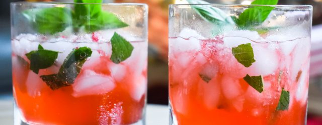 10 Great Holiday Mocktails