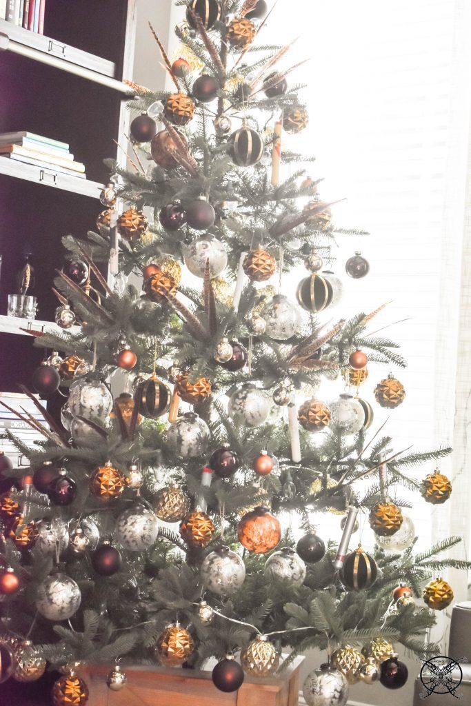God Rest Ye Merry Gentleman Christmas Tree JENRON DESIGNS