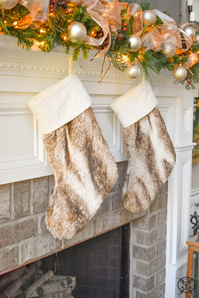 Home for the Holidays Mantle JENRON DESIGNS