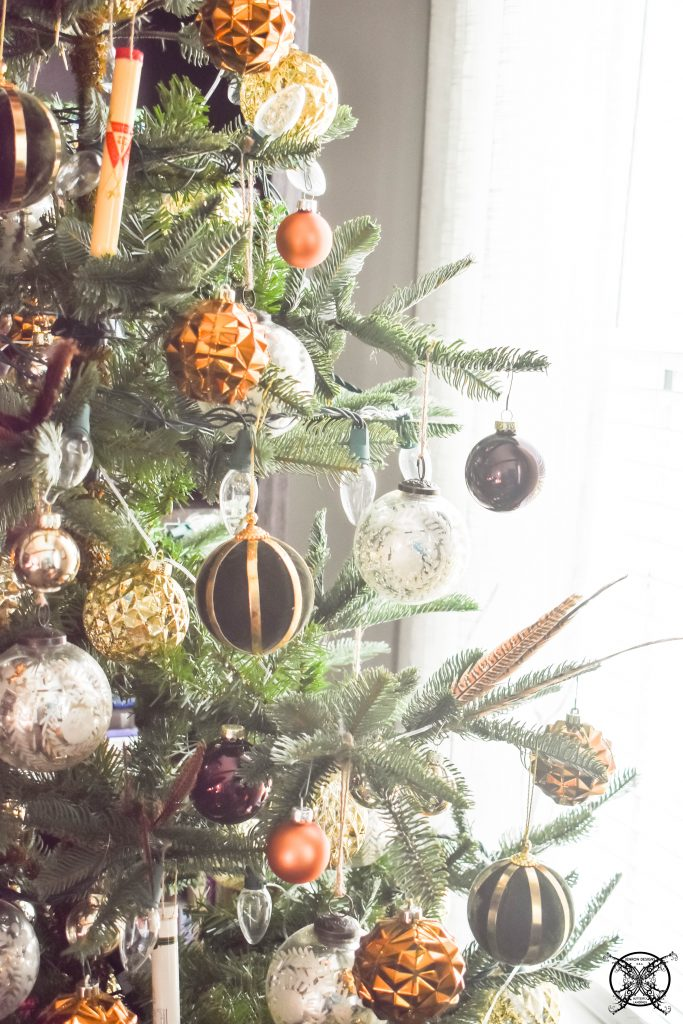God Rest Ye Merry Gentleman Boubon Colored Christmas Tree JENRON DESIGNS