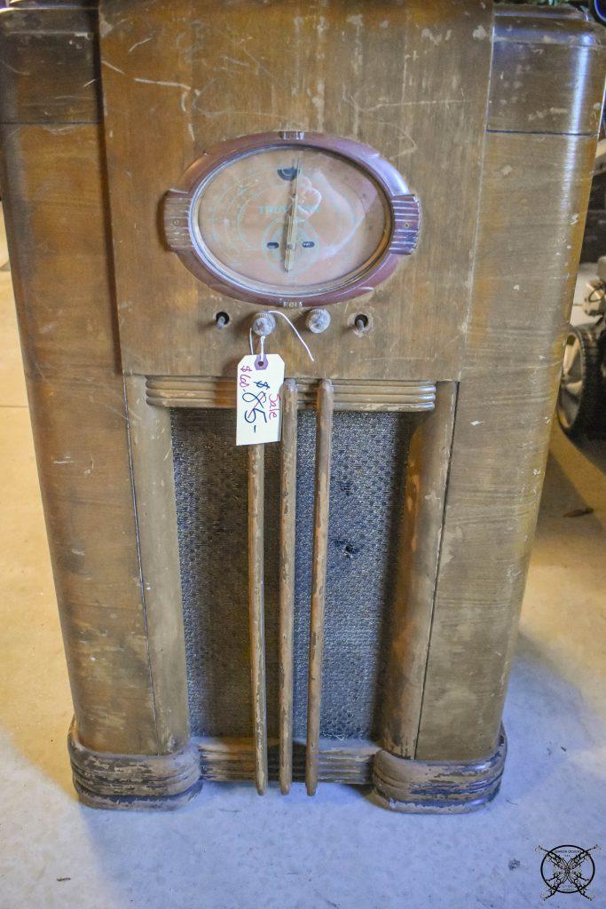 Antique Radio Before Refinishing JENRON DESIGNS