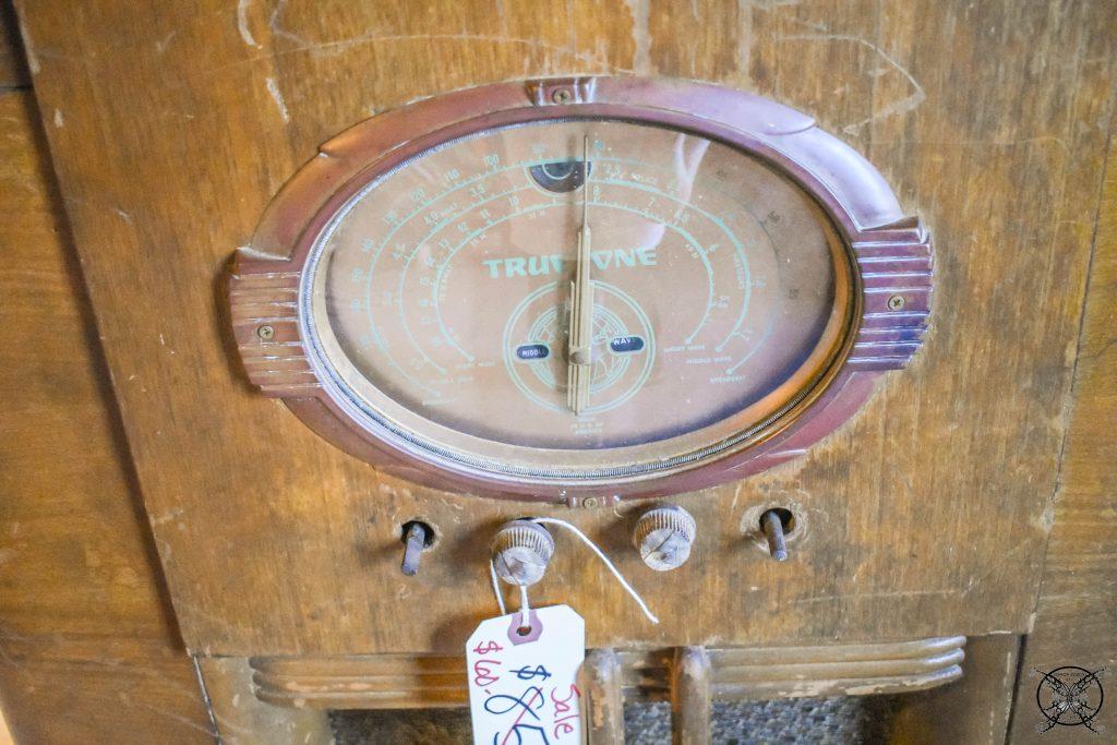 Antique Radio Closeup Before Refinishing JENRON DESIGNS